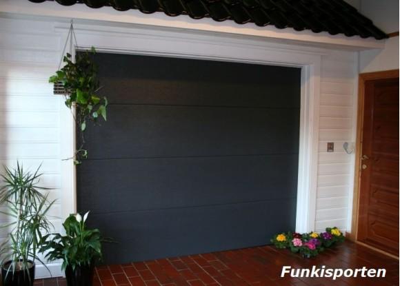 Funkisporten - Anthracite grå farge med trestruktur.